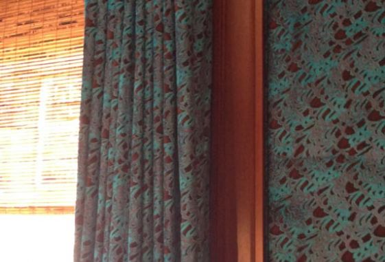 Custom-draw-drapery-mouted-builtin-valance-tortoise-shell-blind